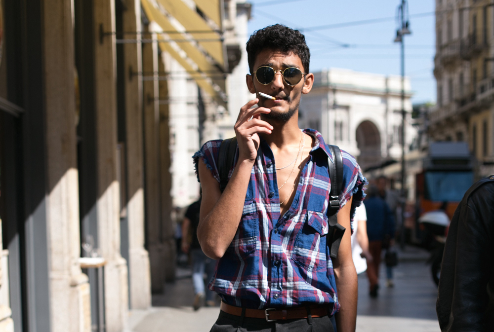 milan street fashion, street fashion, mens fashion, milan, street style, street fashion, street photography, milan, sunglasses, plaid shirt, black trousers