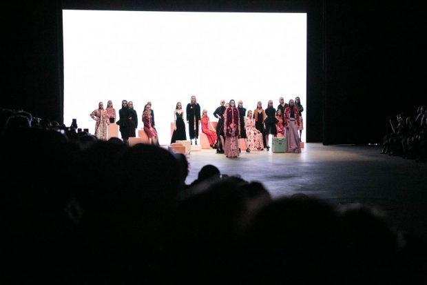 Alexandra Frida, Amsterdam Fashion Week, eyewear, fashion photography, fashion show, catwalk, models, colorful, red