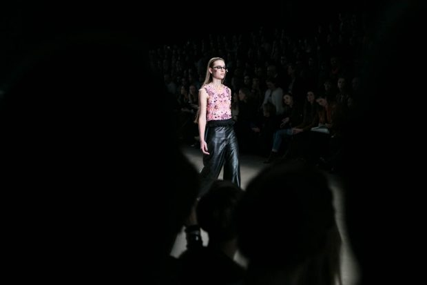 Alexandra Frida, Amsterdam Fashion Week, eyewear, fashion photography, fashion show, catwalk, model, flower top, leather pants