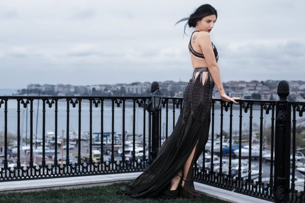 fashion movie, Duygu Senyurek, fashion blogger, fashion photography, black, dress, high fashion ,e editorial photography, high fashion, seaside, turkey