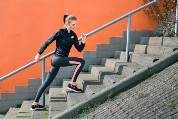 workout, sportswear, nike, just do it, fitness, model photography, orange, active wear, fashion photography Amsterdam, photographer Amsterdam