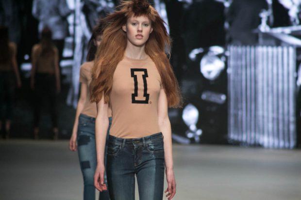 Spijkers en Spijkers Denim, Amsterdam Fashion Week, fashion show, catwalk, model, walk, jeans, shirt, ginger